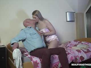 Affecting blonde nympho Diane Chrystall seduces older man be proper of doggy