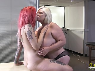 OldNannY British Mature coupled with Lesbian Striptease
