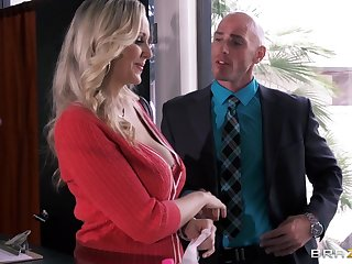 Busty secretary Julia Ann drops on say no forth knees forth please say no forth king