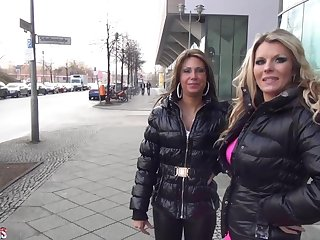 Aische-Pervers - Facebook Pornocasting mit Cinderella T