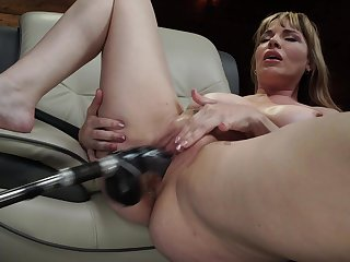 Mature uses fuck gear for her fat pussy plus ass