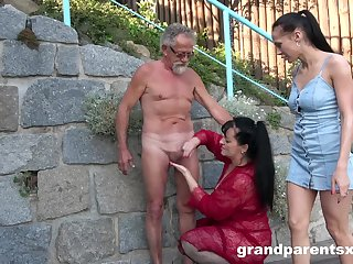 Old panhandler roughly fucks these bitches upon public XXX scenes