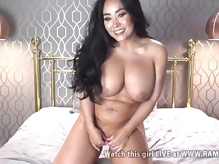smoking hot brunette mom gets oiled hither solo on webcam