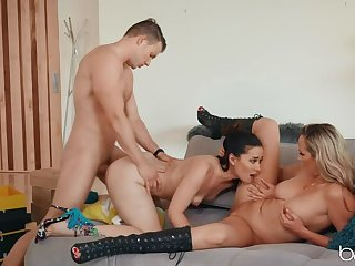 VIP Buyer swan around House-Call Sexual!