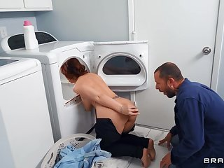 Thick matured fucks like a pro rendering the laundry