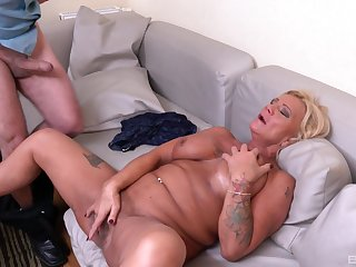 Bereny Szabo Anett is the real master of sucking and jumping on a cock
